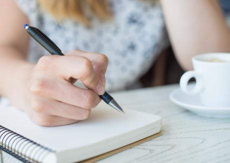 menina_escrevendo.jpg